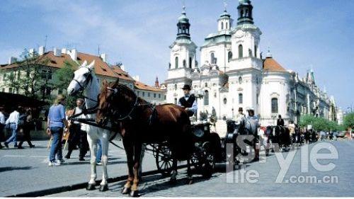布拉格是全世界第一个整座城市被指定为世界遗产的城市