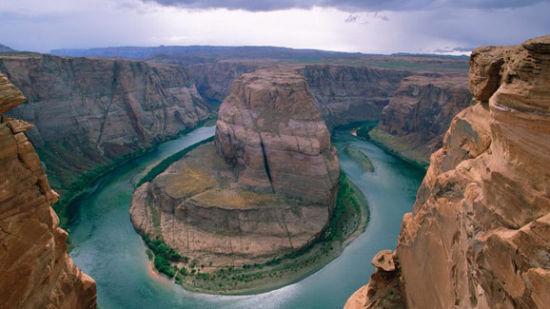 蜿蜒的河流