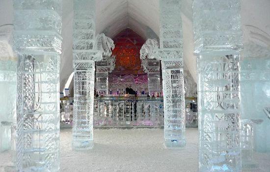 晶莹剔透的冰雪酒吧