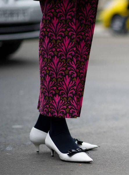 白色尖头鞋