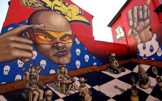 参加布赖顿每人25英镑的街头观光之旅,游客将欣赏到来自Aroe、Gary 和 Roid等大师的街头艺术涂鸦