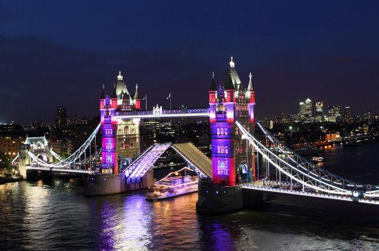 泰晤士河上的伦敦塔桥