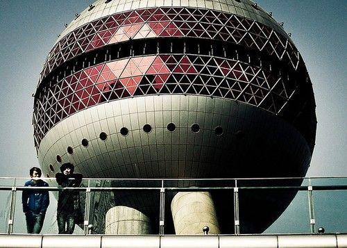 著名的东方明珠电视塔近景照