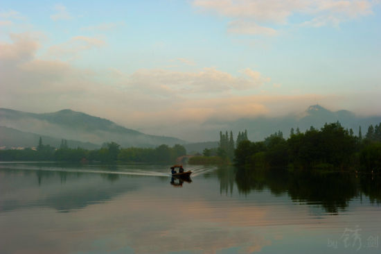 新浪旅游配图:西湖美景 摄影:锈剑