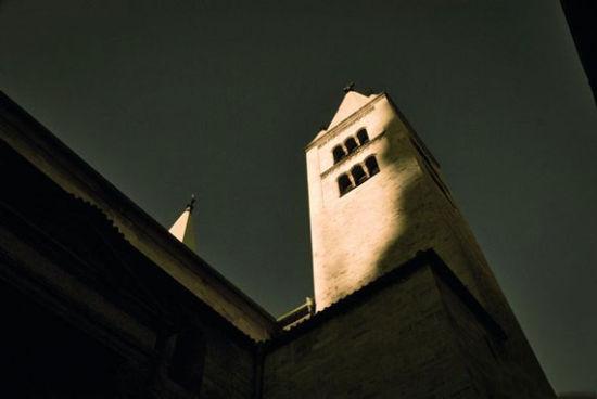 尖锐的塔楼