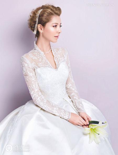 组图:婚纱设计领型修饰让新娘脸部更显娇媚
