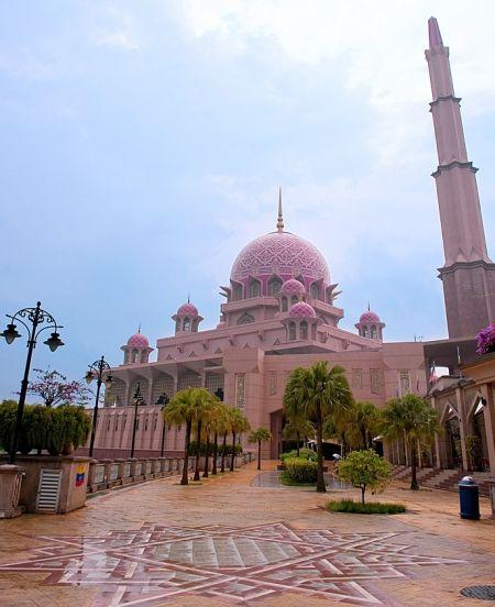 最大的清真寺_亲临马来西亚非常有特点的粉红色清真寺(组图)_宁波微生活 ...