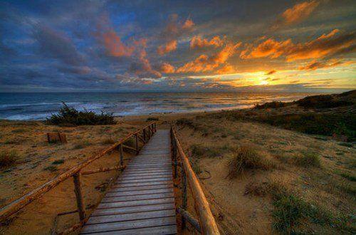 寻一处高地观赏古老地中海的落日余晖