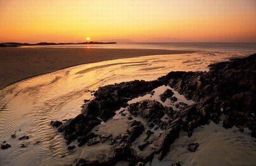 崎岖的海岸线为苏格兰高地勾画出了柔美的线条