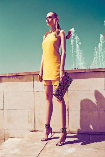 古驰演绎女性春夏时尚清新典雅气质非凡