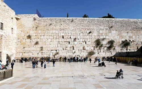 """著名的""""哭墙"""",是犹太人最神圣的祈祷地方"""
