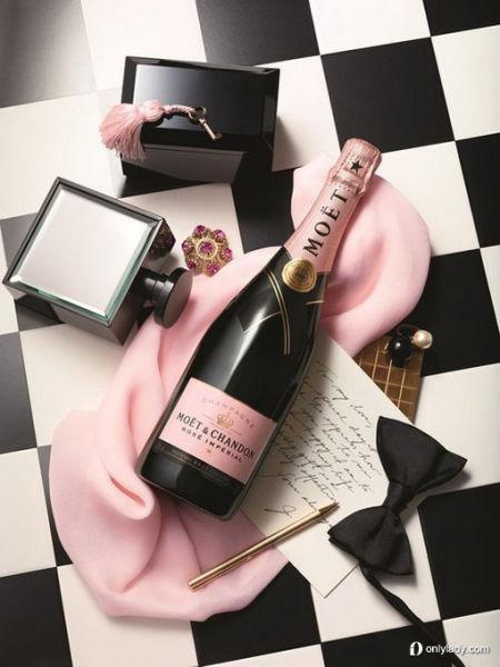 组图:让人无法抗拒的春季粉色奢侈品大搜罗
