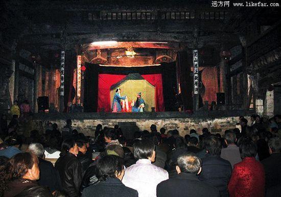 祁门古戏台是一部完整的徽州舞台史