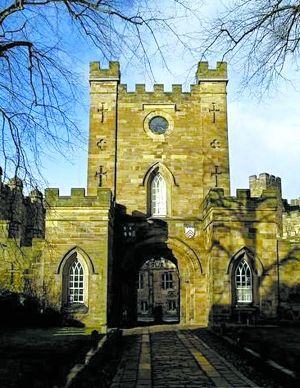 游览英国北部古老的著名大学城杜伦(附图)