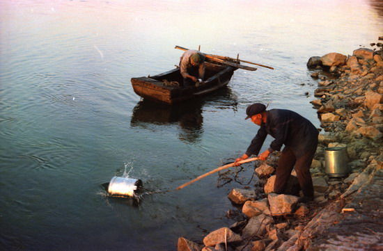 汉江是汉江两岸居民的生命线
