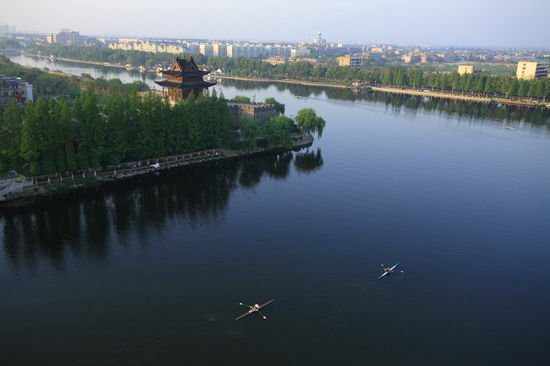 绿染护城河