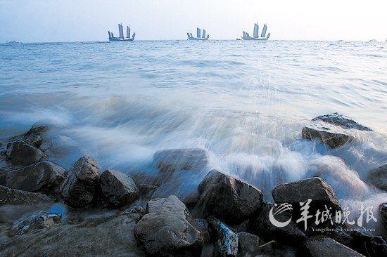 晨曦中的光福渔港村码头,帆影绰绰