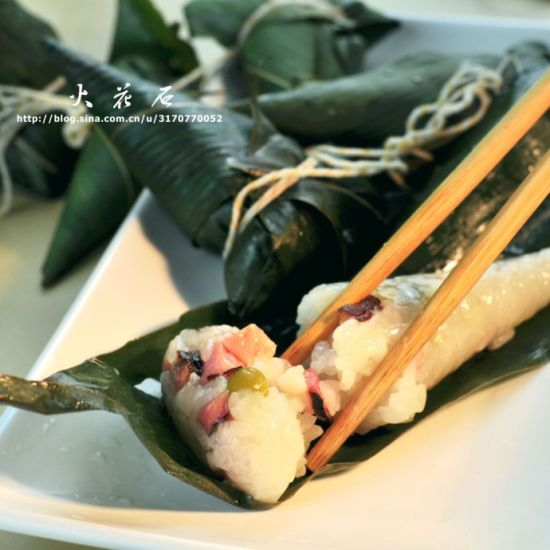 牛角型腊肉豌豆粽子