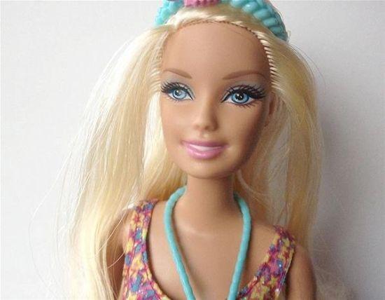 感受卸妆后的芭比娃娃