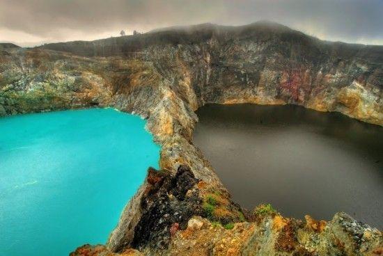 克里穆图(Kelimutu)火山