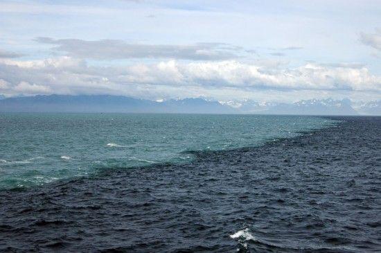 阿拉斯加海水的完美融合