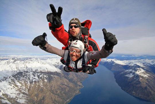 新西兰刺激的NZONE高空跳伞