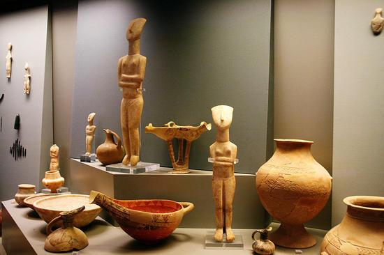 原始时代陶器及人像