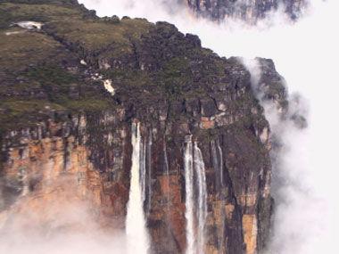 委内瑞拉的安赫尔瀑布(Angel Fall)