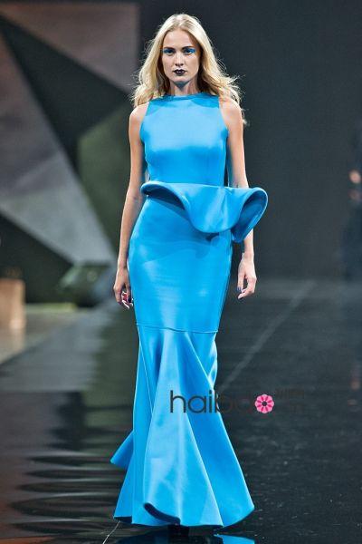 设计师Essa Walla创作的橡胶材质礼服
