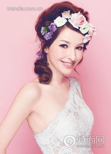 组图:造型师创意盘发打造时尚新娘花样发型
