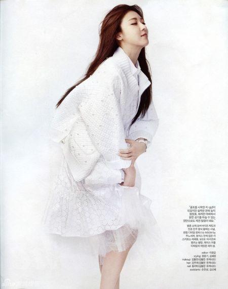 河智苑白衣大片如纯美公主