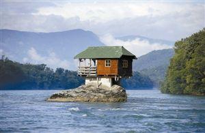 岩石上建小屋