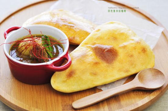 印度馕和绿咖喱