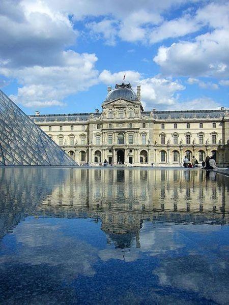 卢浮宫(法国巴黎)