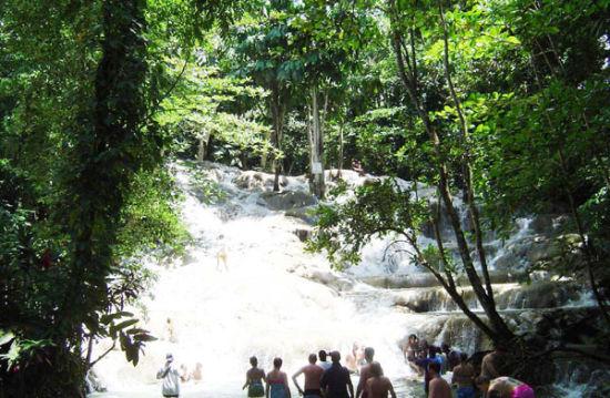 但士河瀑布-牙买加