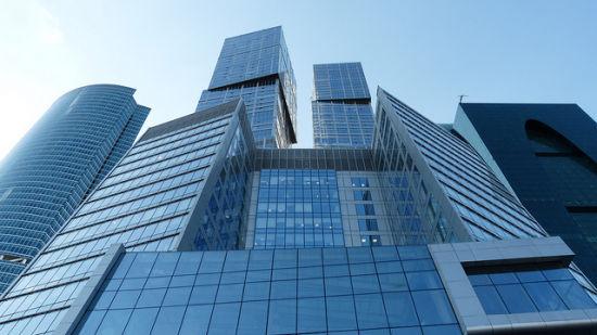 莫斯科的首都大厦就像所有的立方体被摆错了位置