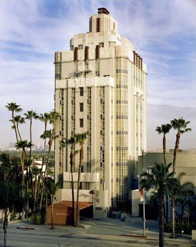 西好莱坞落日塔酒店