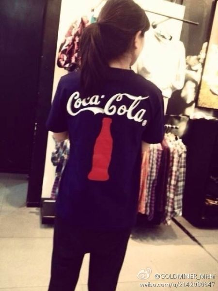 GOLDMINER_Michi的手绘T恤可口可乐款