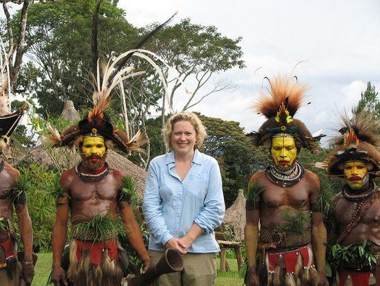 巴布亚新几内亚发型独特的原始部落