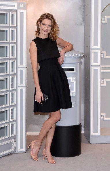 Natalie Vodianova 身穿Christian Dior 优雅小黑裙