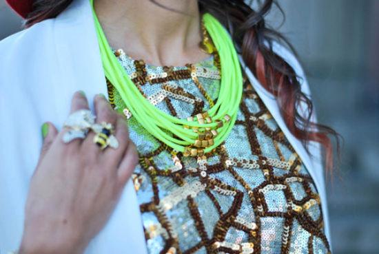 荧光绿项链