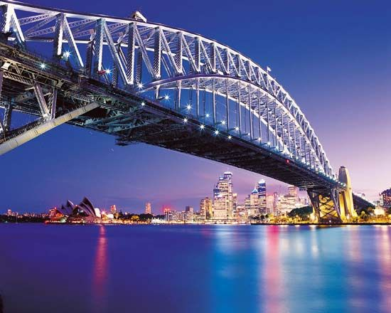 """攀爬""""大衣架""""悉尼大桥"""
