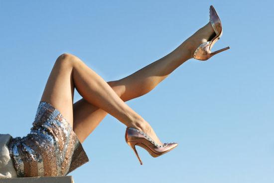 美腿闪光裙
