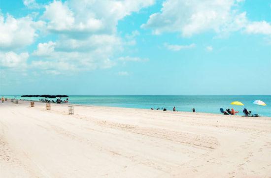 阳光岛海滩
