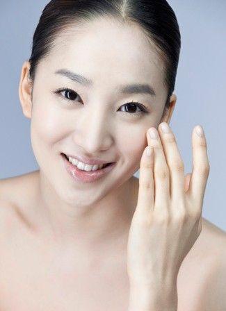 组图:全新方法抚平粗大毛孔还女生丽质肌肤