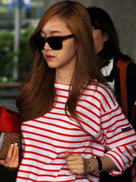 Jessica:条纹上衣
