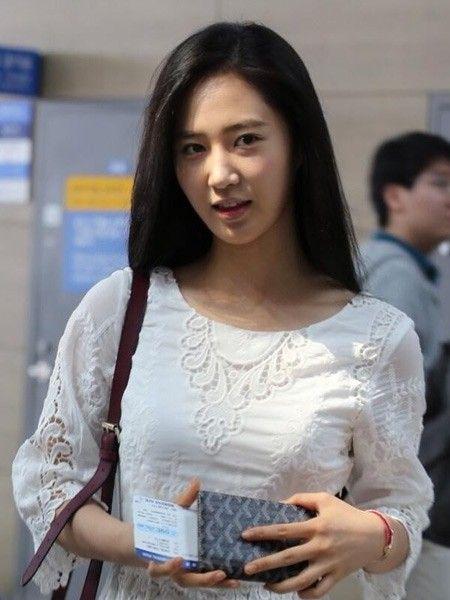Yuri:连衣裙