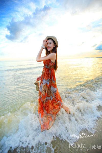 美女达人游三亚海滩度假绝美私服抢镜曝光