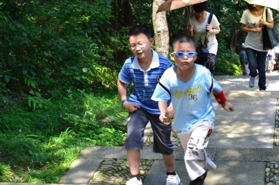 宁波溪口周末游 嬉水消暑自得其乐