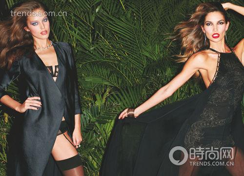 低胸V 领黑裙